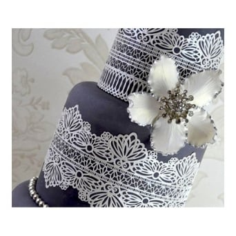 Straight Edge Serenity Design - Ready Made Cake Lace - Pearl