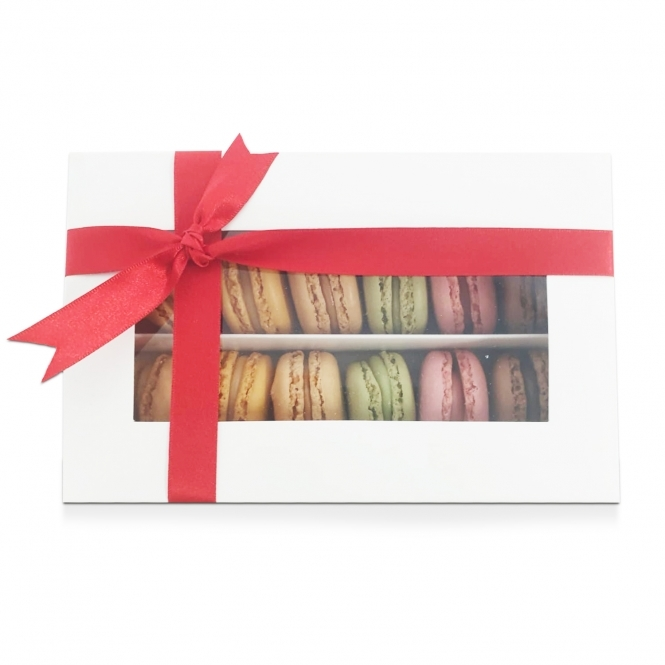The Cake Decorating Co. Holds 12 Luxury Satin White ...