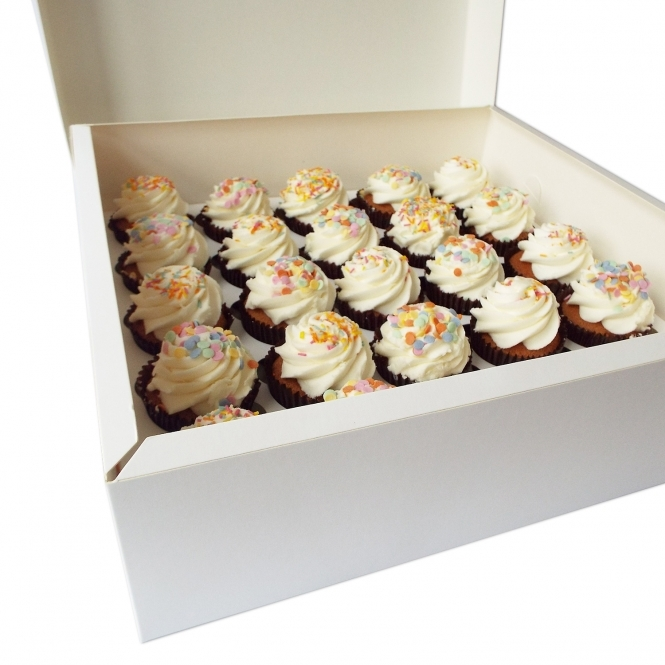 The Cake Decorating Co. White Cupcake Box Holds 25 Cupcakes